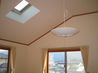2F子供部屋は天窓をつけました