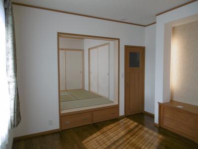 リビング~小上がりの和室。