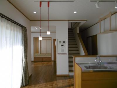 DK~リビング~和室。正面の壁に...。