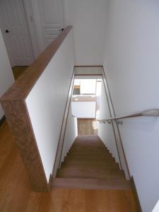 2Fホール~階段。階間のボーダー部分は...。