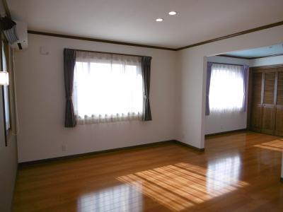 主寝室。右奥が子供室2。